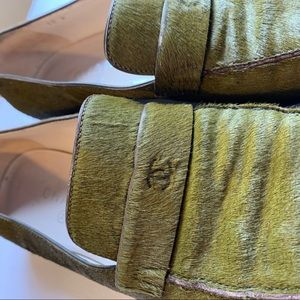 Vintage CHANEL Green Pony Hair Loafers. Size 10.